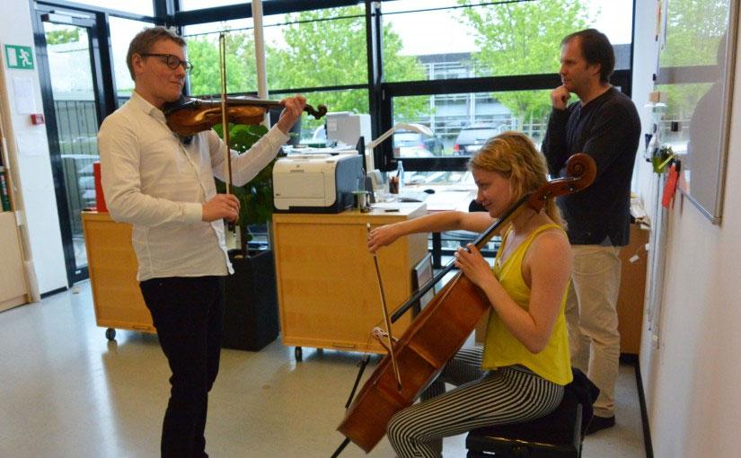 Danish folk music sound at Larsen Strings