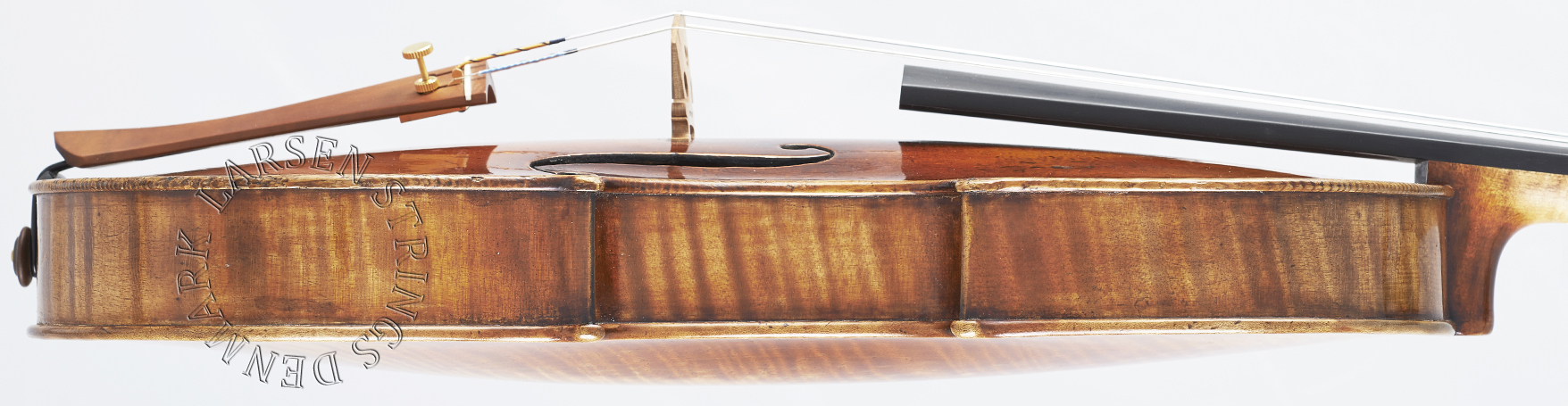 Larsen bowed instrument strings for violin