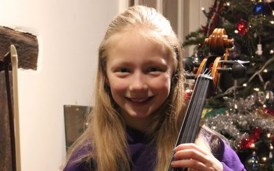 Larsen fractional strings for young cellists