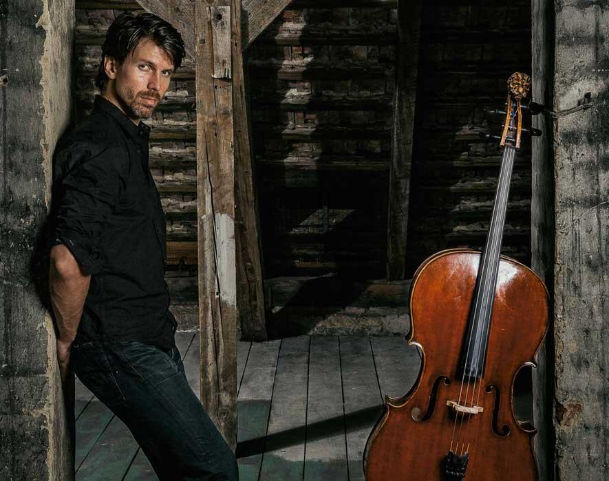 Matthias Bartolomey Cellist © Stephan Doleschal