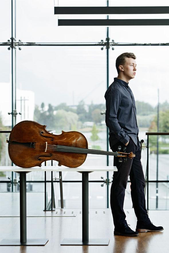 Jonathan Roozeman Cellist. Credit: Heikki Tuuli.