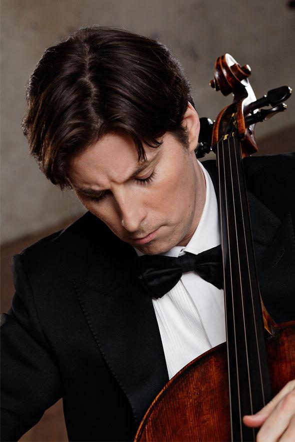 Daniel Müller-Schott. Image © Uwe Arens
