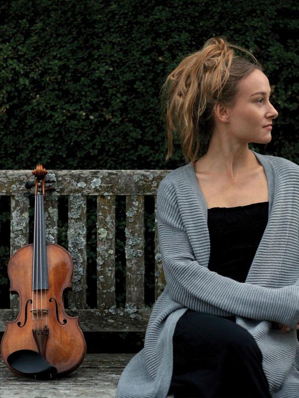 Anna Egholm Soloist Violin