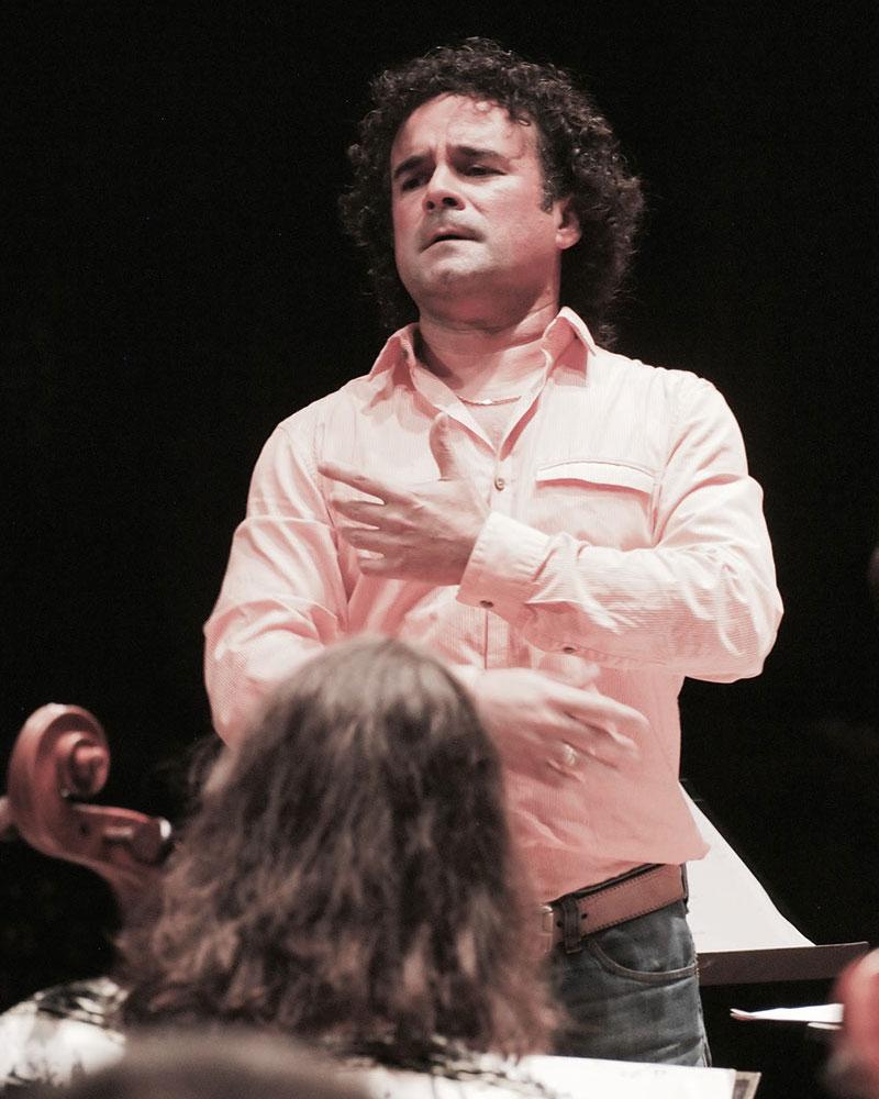 Emilio Colón